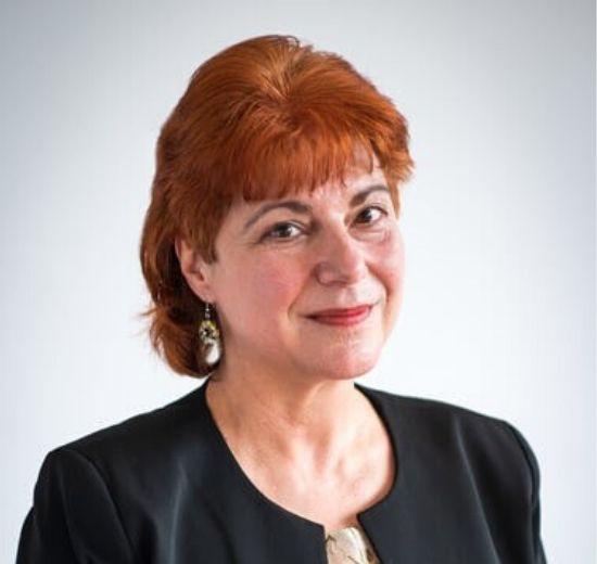 Ваня Николова